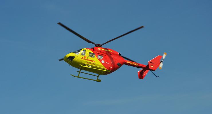 ambulancer--helikopter-740-01