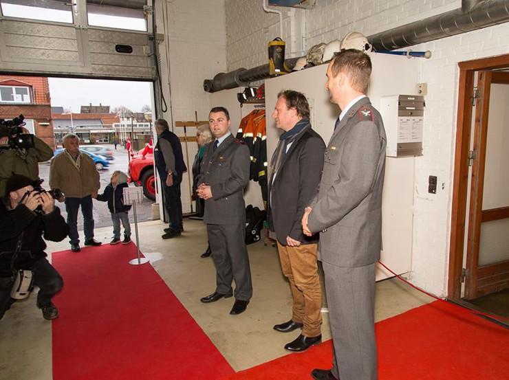 Ved indvielsen af museet ses fra venstre Anders Vaagan, viceborgmester Kristian Dyhr, Horsens, og områdeleder Jan Kjær Madsen, Falck